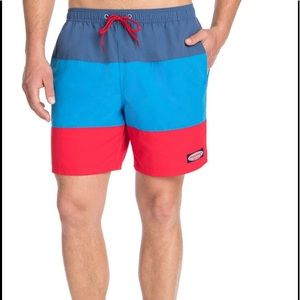 VINEYARD VINES TRI-COLOR SWIM TRUNKS: